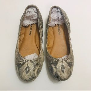 Lucky Brand Emmie Flat Snake Leather Gray 7.5 Shoe